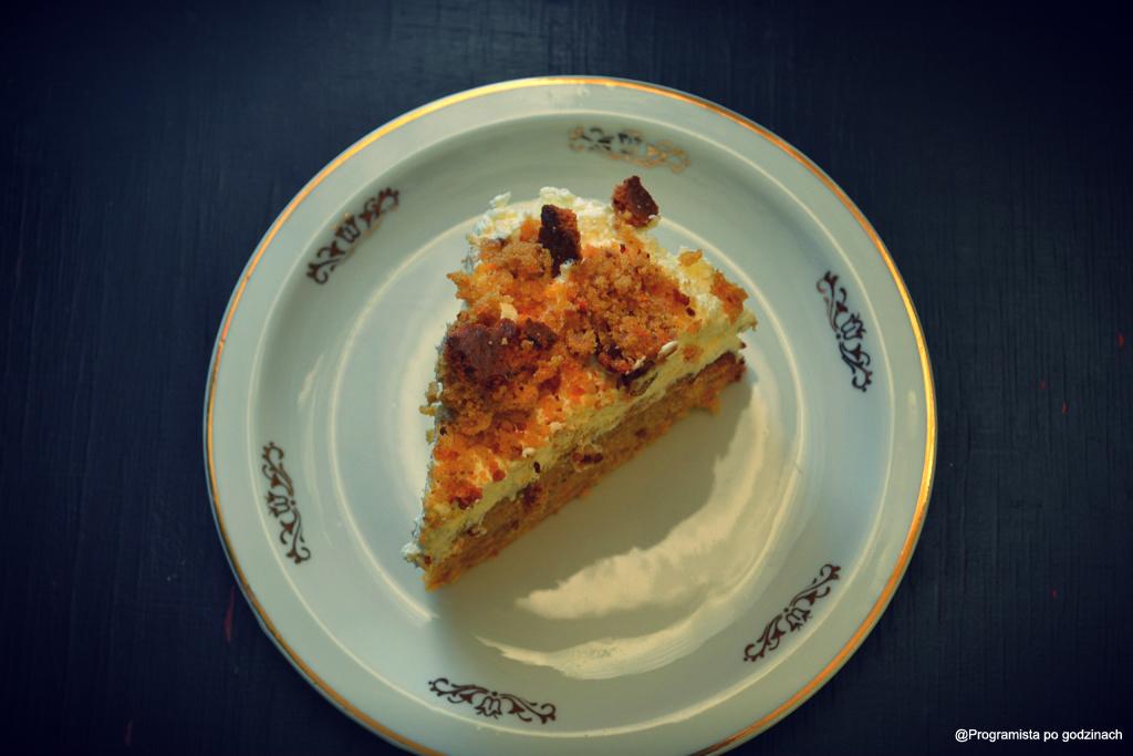 Ciasto marchewkowe z mąką orzechową