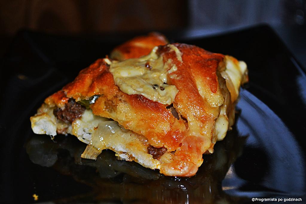 Obwarzanek wołowy ala calzone i paszteciki z ciasta francuskiego