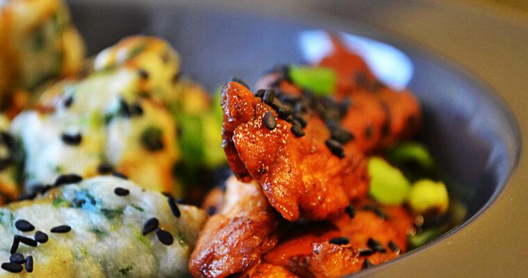 Kurczak teriyaki z kopytkami bazyliowymi
