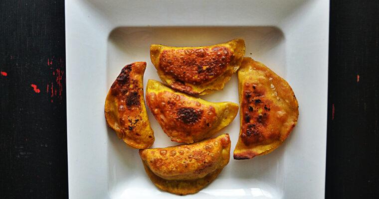 Pierożki curry z ziemnaczanym farszem