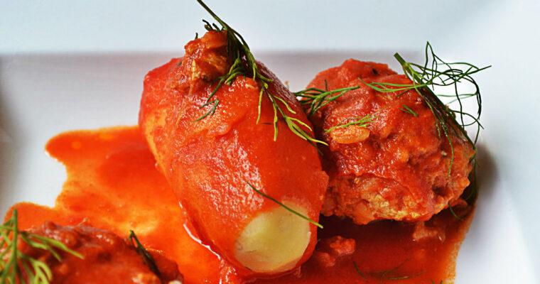 Klopsiki ala gołąbki z pomidorowym sosem curry