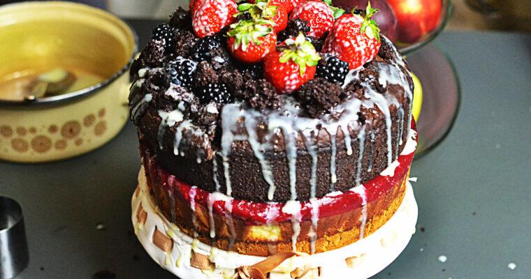 Sernik z musem malinowym i malinowe ciasto czekoladowe