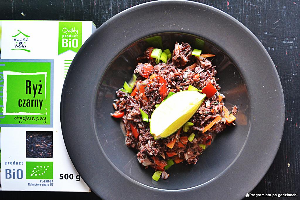 Fioletowe risotto z dorszem holy i czarnym ryżem