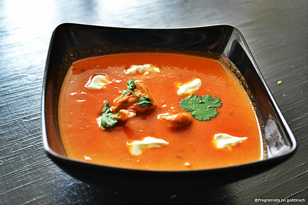 Indyjska zupa pomidorowa z kurczakiem